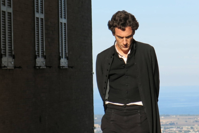 Riondino era già stato diretto da Mario Martone in Noi credevamo (2010).