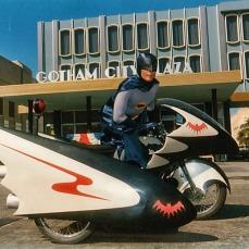 La coloratissima Gotham comics nella serie tv Batman (1966-1968)