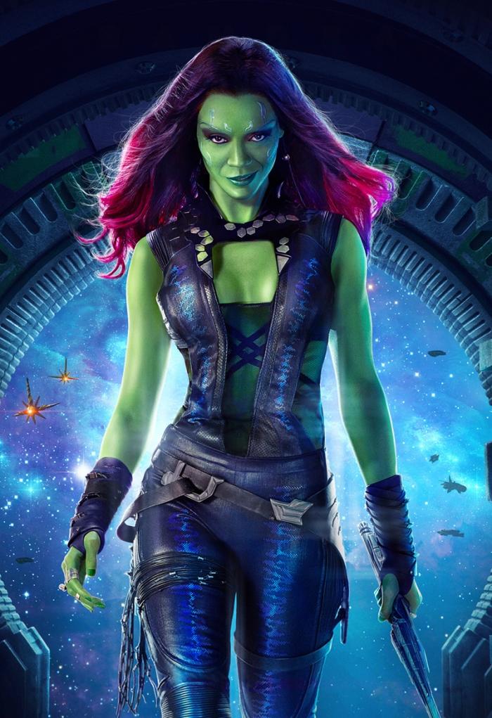 Gamora pare un seducente ibrido tra la schiava orioniana di Star Trek e Poison Ivy.