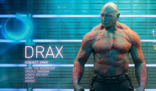 L'ex campione di wrestling Dave Bautista alias Drax il Distruttore ha dovuto sottoporsi per quattro ore al giorno, a una lunga operazione di trucco, costretto a restare spesso in piedi per poter consentire a una squadra di cinque truccatori di applicare le protesi, che consistevano di 18 elementi cosparsi sul corpo e sul viso. Complessivamente il trucco di Bautista è durato sette intere giornate. Quando Dave scoprì di aver ottenuto il ruolo di Drax i scoppiò in lacrime di felicità.