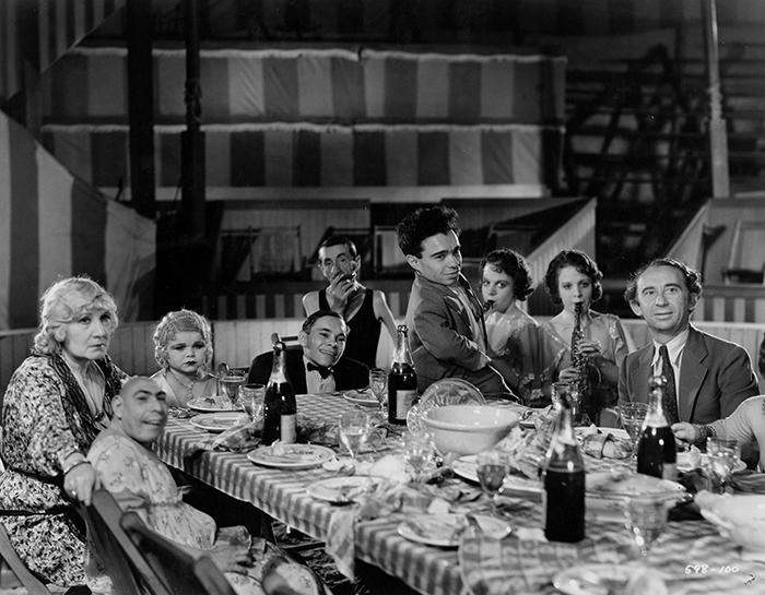 Gli autentici Freaks (1932) del circo maledetto di Tod Browning.