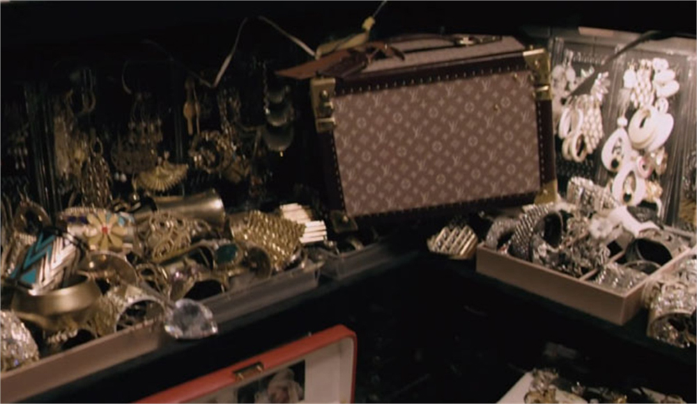 Guardaroba Di Paris Hilton.Fascination Bling Ring Nell Armadio Di Paris Scarlet Boulevard