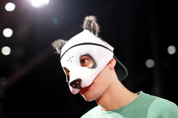 CRO il rapper tedesco con una maschera-panda