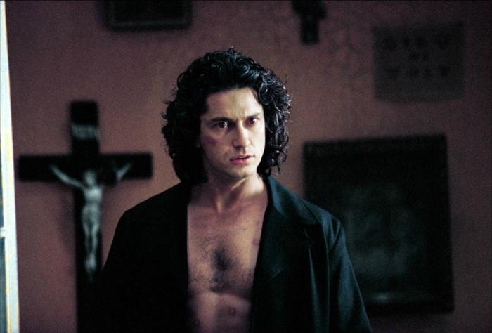 Gerard Butler in Dracula's Legacy (2000) prodotto da Wes Craven