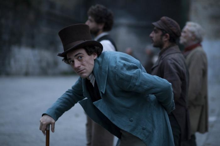 È il secondo film girato in costume da Elio Germano dopo N (Io e Napoleone) (2006).
