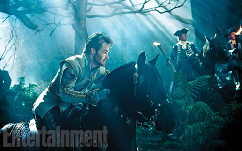 into-the-woods-chris-pine-600x374