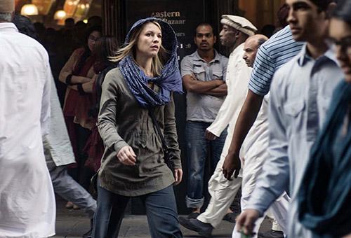 Carrie Mathison è diventata capo-settore della CIA in Afghanistan e ha elaborato il dolore per la perdita di Brody.