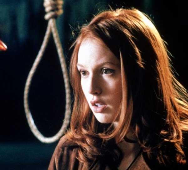 Alicia Witt è Natalie Simon vs l'uomo con l'ascia Urban Legend (1998)