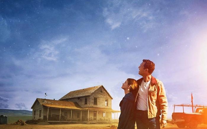 La sceneggiatura è stata scritta a quattro mani dal regista e dal fratello Jonah che, in principio, avrebbe voluto affidarla a Steven Spielberg.