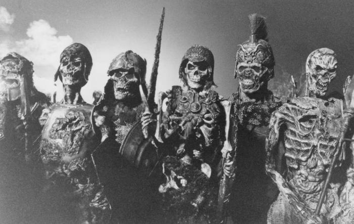 L'incursione al castello de L'armata delle tenebre (1992)