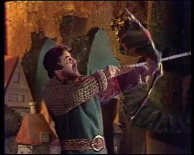 Sono stati reclutati attori di normale statura per incarnare hobbit e nani che sul set, tuttavia, dovevano essere ripresi in maniera statica poiché le scenografie disegnate limitavano la prospettiva.