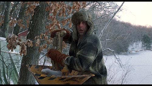 """Peter Stormare perse il provino per Crocevia per la Morte e fu entusiasta di essere ingaggiato. Quando in una scena si fa beccare dai testimoni oculari, a circa trenta minuti dall'inizio del film, grida «Jävla fitta!"""" che in svedese significa """"cazzo c * nt!"""""""