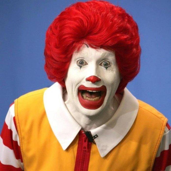 Ronald McDonald: il simbolo della catena di fast food che non induce certo all'appetito (dal 1963)