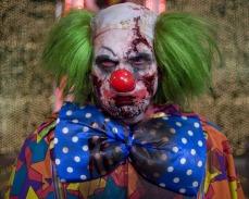 Lo zombie clown che fa cagare sotto Jesse Eisenberg in Benvenuti a Zombieland (2009)