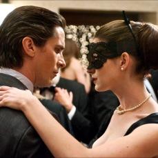 Christian Bale e Anne Hathaway ne Il cavaliere oscuro - Il ritorno (2012)