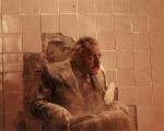 I set designer dimenticarono di inserire la porta nel laboratorio; così il Dr. Everett Scott (l'attore Jonathan Adams) ha dovuto sfondare la parete per il suo ingresso in scena. Il budget della pellicola fu di 1.200.000 dollari.