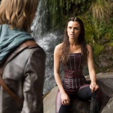 7- Amberle Elessedil, la principessa elfica innamorata del mezzo elfo, ha il volto della 25enne inglese, Poppy Drayton, qui al suo primo ruolo importante. Nel 2013, è comparsa nell'episodio natalizio di Downton Abbey.