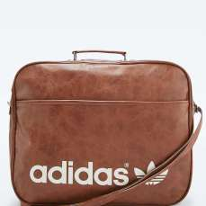 Adidas Originals Brown Vintage Airline Bag £100 su urbanoutfitters.com