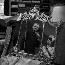 Lo specchio che porta alla pazzia in Incubi notturni (1945)
