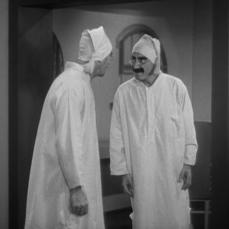La comicità marxiana allo specchio in Duck Soup (1933)