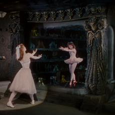 Lo specchio scenico di Moira Shearer in Scarpette rosse (1948)