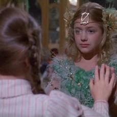 Il palazzo degli specchi della Principessa Mombi dov'è imprigionata Ozma (Emma Ridley)