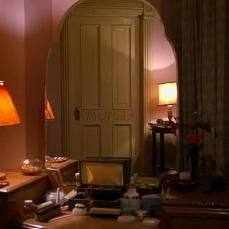 """Lo specchio che riflette """"Murder"""" in Shining (1980)"""