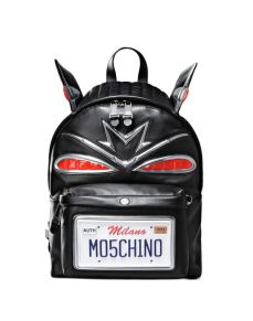Moschino Rucksack €1.810 moschino.com