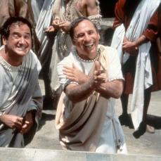 """""""Avete sentito della nuova setta, i Cristiani? Sono dei sovversivi da ridere! Sono talmente poveri, che hanno un unico dio!"""" Comicus (Mel Brooks) ne La pazza storia del mondo (History of the World, Part I) (1981)"""