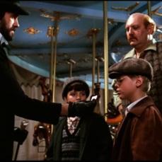 Qualcosa di sinistro sta per accadere (1983)