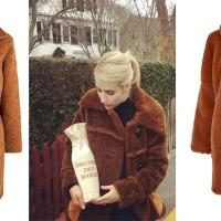 """Lo voglio anche io: un cappotto """"Teddy"""" come quello di Emma Roberts"""