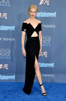 Nicole Kidman in Brandon Maxwell, gioielli Fred Leighton e scarpe Gianvito Rossi