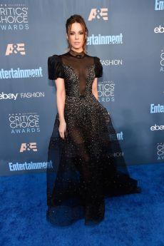 Kate Beckinsale in Reem Acra