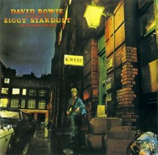 1. The Rise and Fall of Ziggy Stardust and the Spiders from Mars (1972)