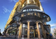 McDonald's a Spanish Broadway (Gran Via) a Madrid.