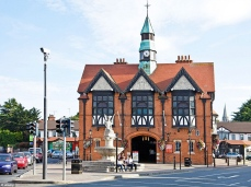 19th Century Town Hall, Bray, contea di Wicklow in Irlanda. L'edificio in tudor-style costruito nel 1881.