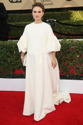 Natalie Portman in Christian Dior Couture, clutch Christian Louboutin e gioielli Tiffany & Co.