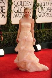 In lungo abito in petali increspato di Catherine Kidd ai Golden Globe 2011