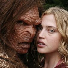 17. Beauty and the Beast (2009) di David Lister. L'adattamento «horrorifico» con Estella Warren e Victor Parascos.