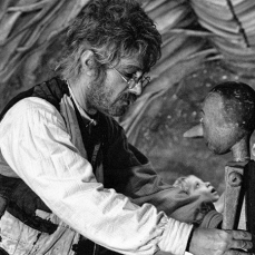 Inizialmente, Manfredi rifiutò il ruolo di Geppetto perché non voleva «fare il vecchio».