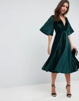ASOS - Vestito midi a kimono a pieghe in velluto 45,13 £