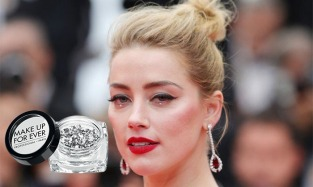 I punti luce sugli occhi di Amber Heard. Make Up For Ever Strass