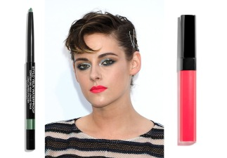 Il make up di Kristen Stewart agli amfAR Gala. Chanel ROUGE COCO LIP BLUSH (416 Teasing Pink) € 30,00 -Chanel STYLO YEUX WATERPROOF (938 Mare Chiaro) € 26,00