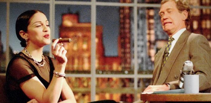 Si accende un sigaro in diretta nel salotto di David Letterman, 1994