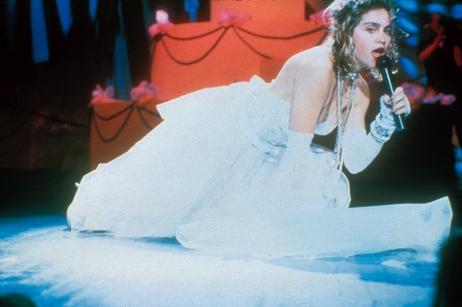 L'autoerotismo col velo da sposa ai VMA's 1984