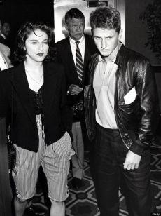 Il matrimonio turbolento con Sean Penn (caratterizzato da tradimenti, denunce e aggressioni), 1985