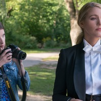 Un piccolo favore, 5 incredibili momenti fashion dal thriller con Blake Lively
