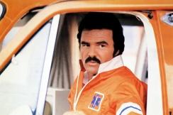 Burt Reynolds è J.J. McClure ne La Corsa più Pazza d'America (1981)