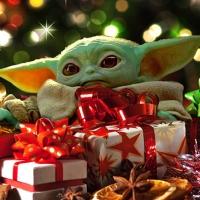 Natale 2019, 10 idee regalo per tutti i geek e c'è anche Baby Joda ma…