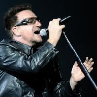 60 anni di Bono, 10 duetti indimenticabili per celebrare il leader degli U2